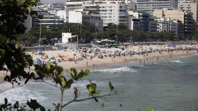 Covid-19: ocupação chega a 97% em leitos de UTI da rede municipal; média móvel aponta estabilidade em contágio no Rio