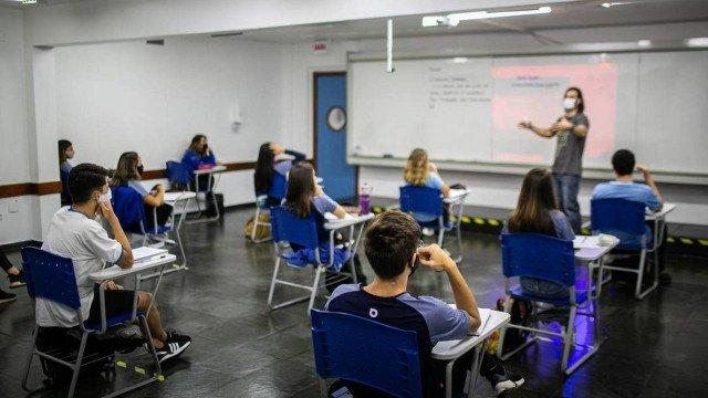Mensalidade escolar ficará até 5% mais cara em 2021, acima da inflação