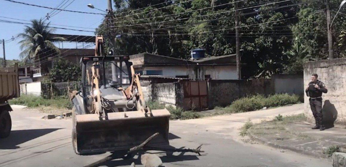 Moradores de morro de Nova Iguaçu denunciam invasão de traficantes e afirmam que bairro virou base para ataque a facção rival