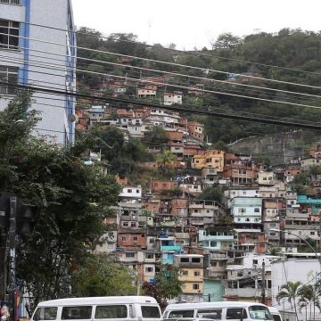 Morador do Morro do Borel, na Usina, acusa policiais militares de agressão em abordagem na favela