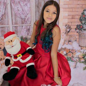 Isa Lavínia foi boa menina ganhou ensaio natalino mesmo com toda fofoca feita no recreio por Lucas Netto