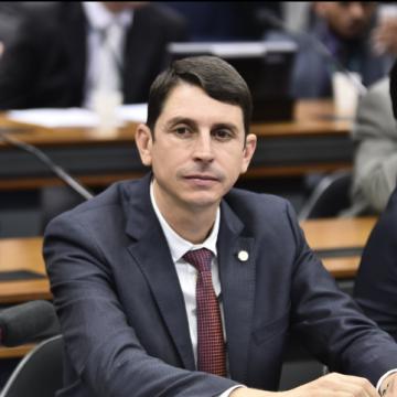 Juninho do Pneu consegue autorização para manter o mandato de deputado federal