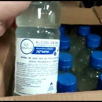 Álcool vencido e equipamentos hospitalares da Prefeitura do Rio são encontrados lacrados dentro de galpão em Caxias