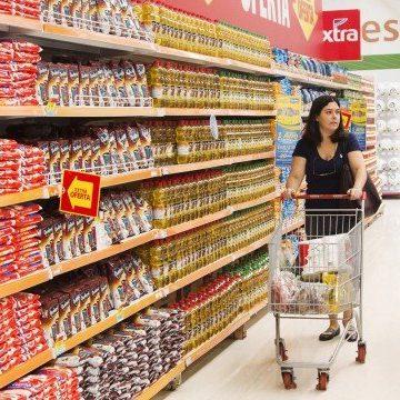 Marcas próprias ajudam a economizar até 30% nas compras de supermercado