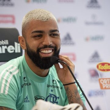 """Gabigol minimiza pressão no Flamengo, mas admite incômodo na reserva: """"Não quero estar no banco"""""""