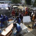 Parentes, amigos e moradores de Gramacho se despedem de irmãos mortos em ataque a barbearia: 'Indignação'
