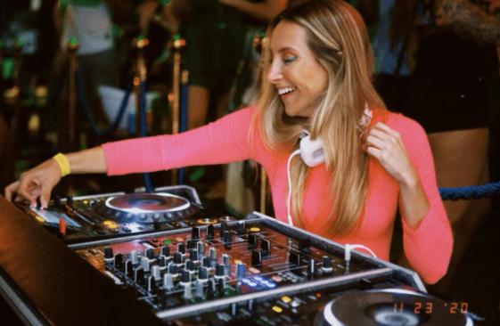 Dos hotéis às pistas do Rio de Janeiro: conheça a DJ Camilla Brunetta