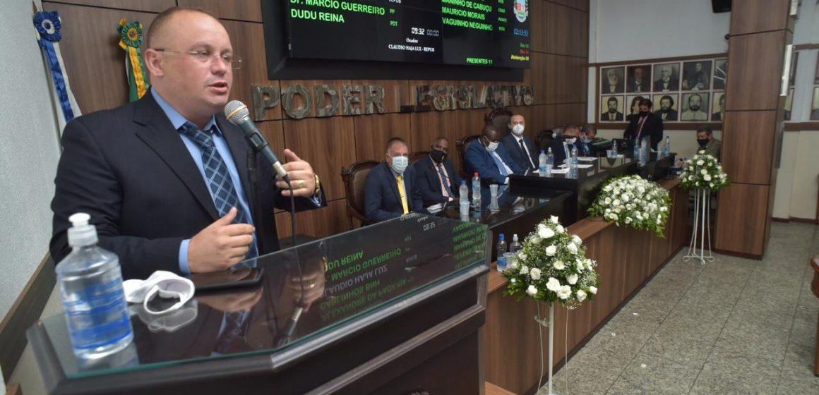 Vereador Pr Cláudio Haja Luz do Republicanos assume mandato reafirmando compromisso com o povo Iguaçuano.