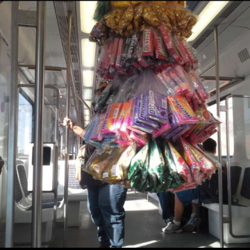 Trabalhadores ambulantes dos trens são declarados Patrimônio Imaterial