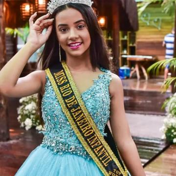 Vencedora do concurso Miss Rio de Janeiro tem apenas 11 anos e mora na baixada fluminense