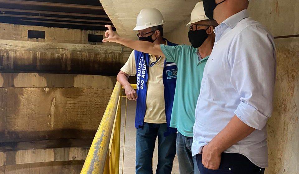 Vereador Marcio Ribeiro realiza vistoria nos reservatórios  de controle de enchentes da Grande Tijuca acompanhado de técnicos da Rio Águas
