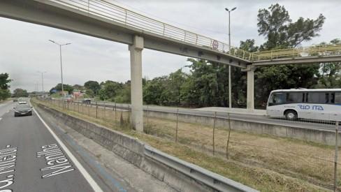 Bandidos com fuzis roubam dois caminhões na BR-101, altura de São Gonçalo, com R$ 50 mil em carnes