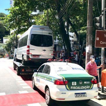 Detro/RJ realizou operação contra transporte turístico irregular no Corcovado neste sábado (23)