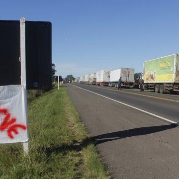 """Fato:""""Novo reajuste do diesel aumenta pressão por greve dos caminhoneiros"""""""