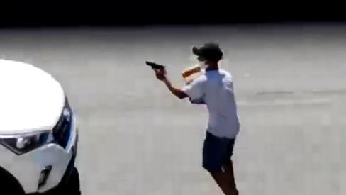 Polícia identifica um dos ladrões que fingiu ser ambulante na Avenida Brasil