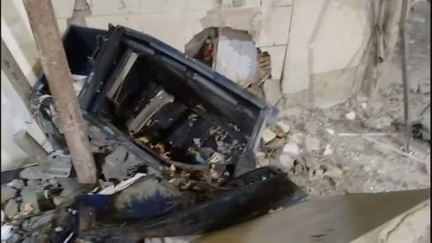 Bandidos explodem posto de gasolina na Pavuna e fogem com dinheiro do cofre
