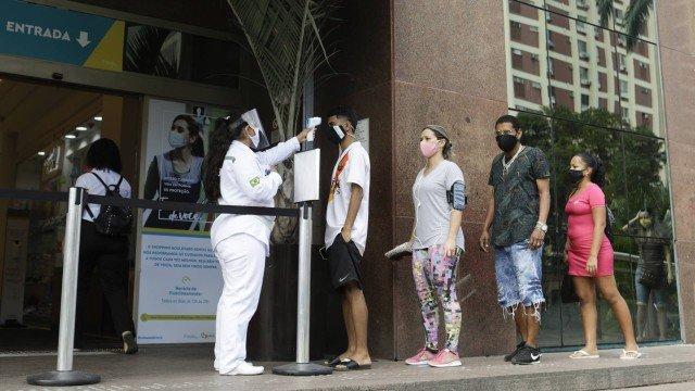 Confira as novas medidas de flexibilização de acordo com classificação de risco nas regiões do Rio