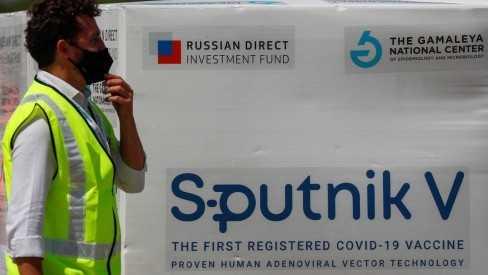 Covid-19: Brasil já começou a produzir vacina Sputnik V, diz fundo russo
