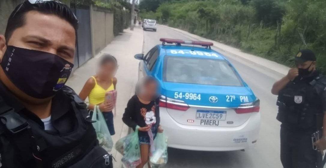 PMs pagam compras em supermercado da Zona Oeste para crianças que não tinham o que comer
