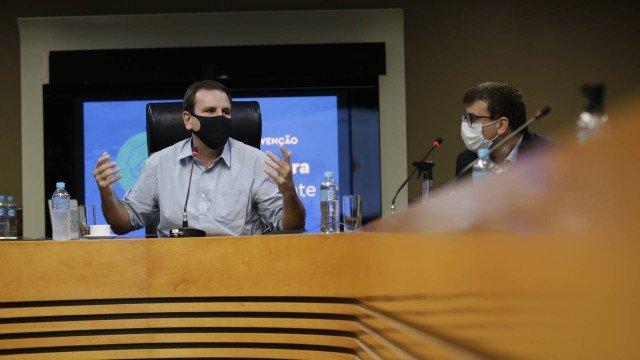 Vacinação: Paes diz que imunização contra a Covid-19 pode começar no dia 25 no Rio