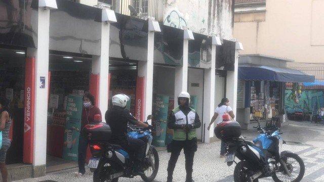 Proprietária e inquilino de apartamento em Copacabana brigam de faca