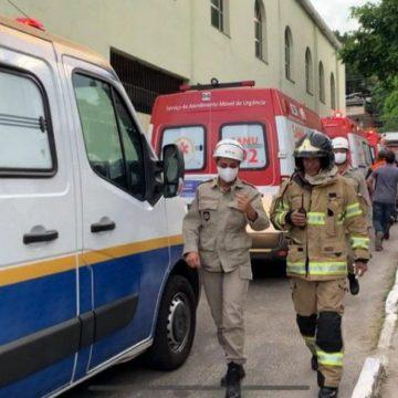 """Focos:""""Incêndio atinge UPA em São João de Meriti"""""""