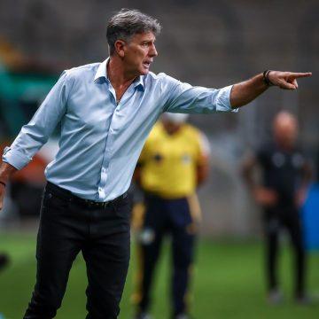 Em meio a conversas com Grêmio, Renato coleciona interessados, mas mantém foco em título