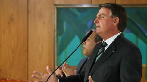 Tudo acaba um dia', diz Bolsonaro a Maia