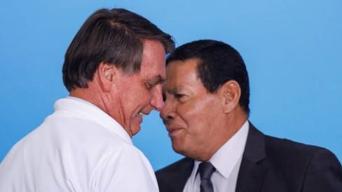 'Não há nenhuma motivação' para impeachment de Bolsonaro, diz Mourão