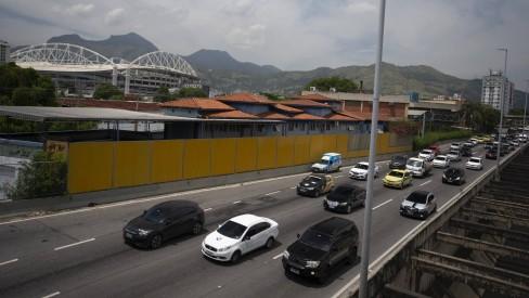 Paes anuncia nova licitação para a concessão da Linha Amarela até junho deste ano