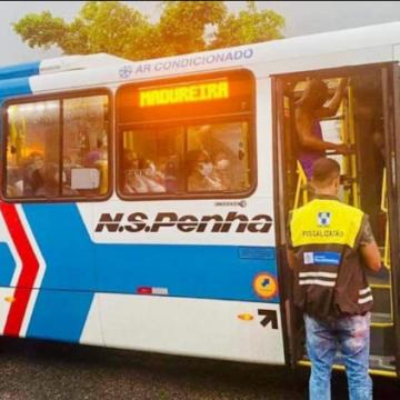 Nossa Senhora da Penha é multada por causa de micro-ônibus lotado; Detro em ação