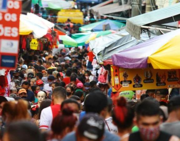 Brasil tem média diária de 1.083 mortes por covid-19, a 2ª pior da pandemia.