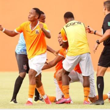 Nova Iguaçu marca nos acréscimos e garante vaga na fase principal; estreia contra o flamengo