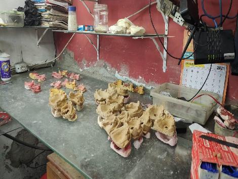 Polícia Civil interdita laboratório de próteses dentárias na Zona Norte