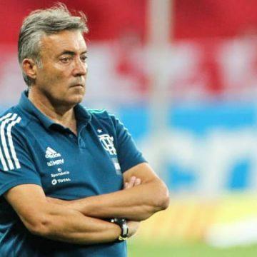 'O problema do Flamengo está dentro do Flamengo', diz Domènec em sua primeira entrevista após a demissão