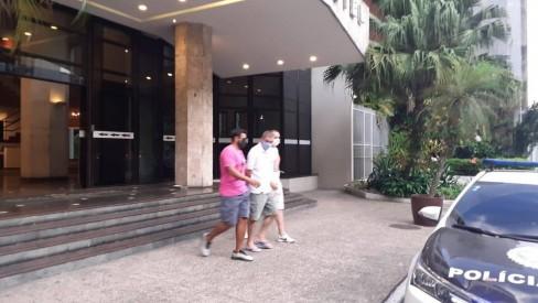 Polícia prende ex-prefeito de Trajano de Moraes, que estava foragido há quatro anos, em hotel de luxo no Rio