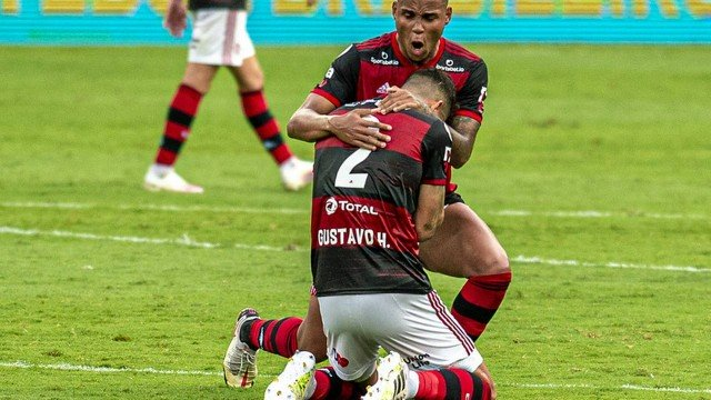 Flamengo pode ter zaga reserva contra o São Paulo na última rodada