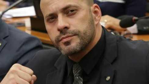 Daniel Silveira contratou com dinheiro da Câmara empresa de vigilância de amigo e sem registro na PF