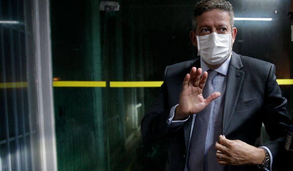 Tentativa de ampliar poderes de Bolsonaro na pandemia fracassa na Câmara; opositores apontam intenção de 'golpe'
