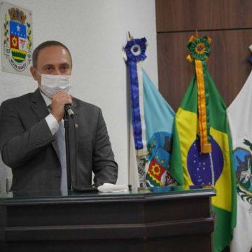 Câmara de Nova Iguaçu aprova o 'castramóvel';um serviço para prevenção de zoonoses e controle reprodutivo de cães e gatos.