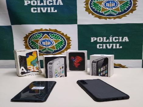 """RJ:""""Polícia Civil prende homem que vendia celulares roubados na internet"""""""