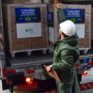 Butantan entrega 5 milhões de doses da CoronaVac ao Ministério da Saúde nesta segunda