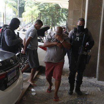 Polícia Civil faz operação em áreas dominadas pelo miliciano Ecko e prende 14