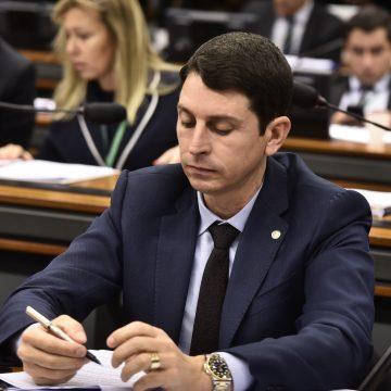 Deputado Juninho do Pneu perde na Justiça e terá que optar entre Brasília e Baixada