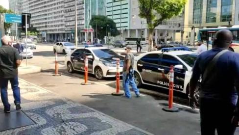 Operação mira falsos despachantes que agem diante da sede do Detran-RJ, no Centro da cidade