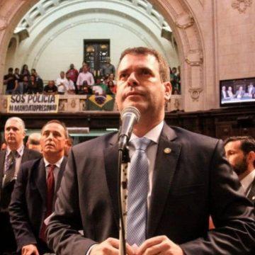 Rio poderá ter canal de denúncias para crimes em escolas