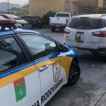 Delegado da Polícia Civil é detido com carro furtado na Via Lagos