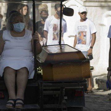 Mortes no Jacarezinho: amigos de infância, Isaac e Richard Gabriel foram enterrados juntos