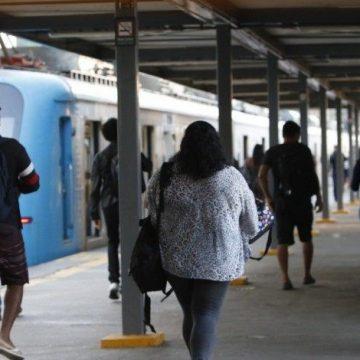 """BOLA DENTRO:""""Agetransp suspende aumento da tarifa dos trens"""""""