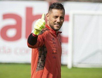 Diego Alves pode estar de saída do Flamengo rumo à Juventus, diz site italiano
